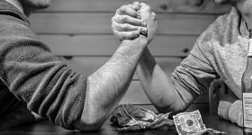 arm-wrestling-bar-bet-4417